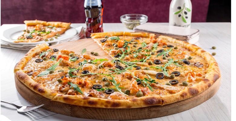 Les ingrédients et les ustensiles nécessaires pour réussir la pizza napolitaine