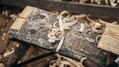 Aménagement intérieur : pourquoi travailler avec un fabricant de menuiseries en bois ?