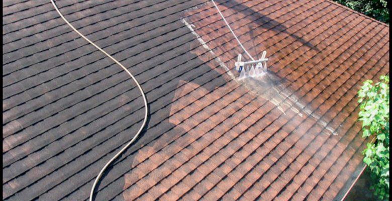 Comment se déroule le nettoyage d'une toiture en ardoise?